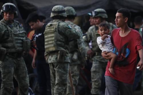 L'assalto dei migranti che mostra l'ipocrisia di Biden
