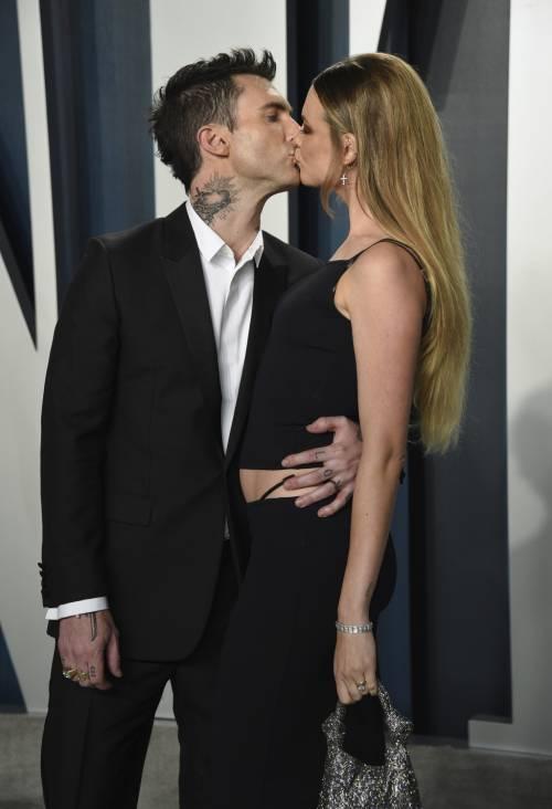 Behati Prinsloo e Adam Levine in dolce attesa? Una foto scatena i fan