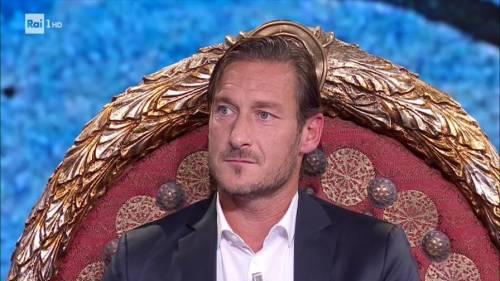 Francesco Totti in vacanza al mare con Ilary Blasi