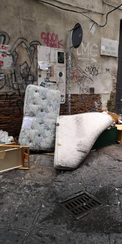 Discarica a Napoli 3