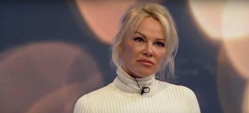 """L'ex marito di Pamela Anderson: """"Le ho pagato tutti i debiti, sono solo un vecchio sciocco"""""""