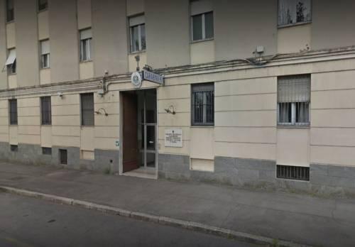 Parma, nigeriano colto a spacciare crack fugge e attacca carabinieri