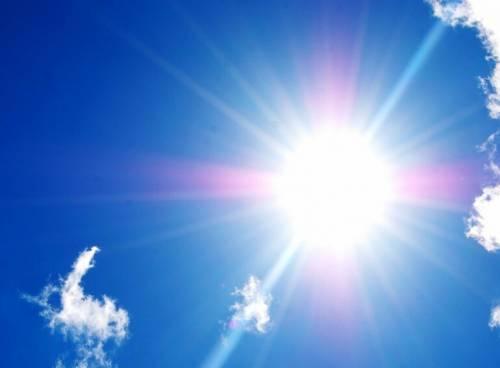 """Arriva il """"super caldo"""". Temperature fino a 27°"""