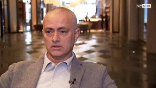 Mourinho rasato a zero: ''Mi sono addormentato dal barbiere''