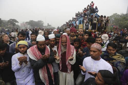 Bangladesh, primo funerale islamico per una prostituta