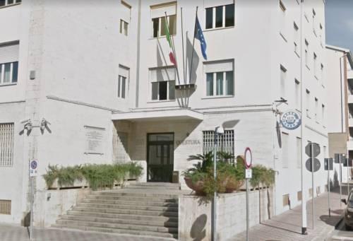 Cagliari, magrebino vuole entrare in casa famiglia e minaccia la moglie