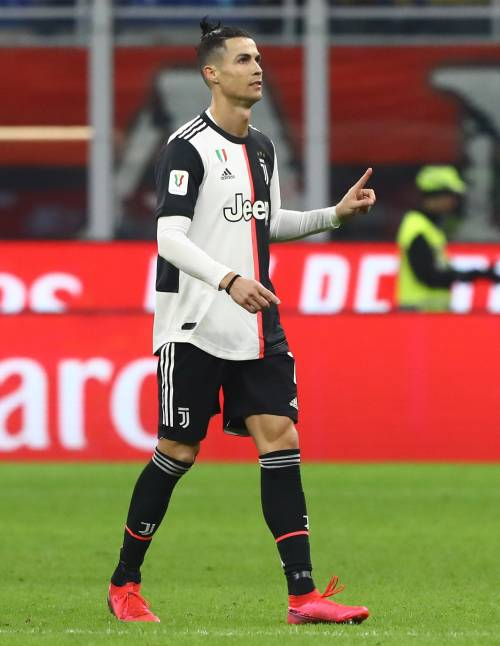 Il Var salva la Juventus. Milan avanti con Rebic, poi ci pensa Ronaldo