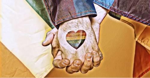 Parma, il tribunale boccia trascrizione dei figli di una coppia gay