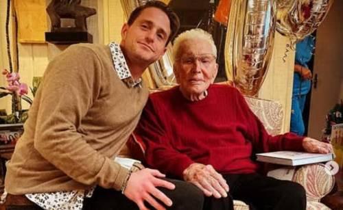 """Cameron Douglas: """"Mio nonno Kirk non mi ha mai abbandonato, neanche nei momenti difficili"""""""