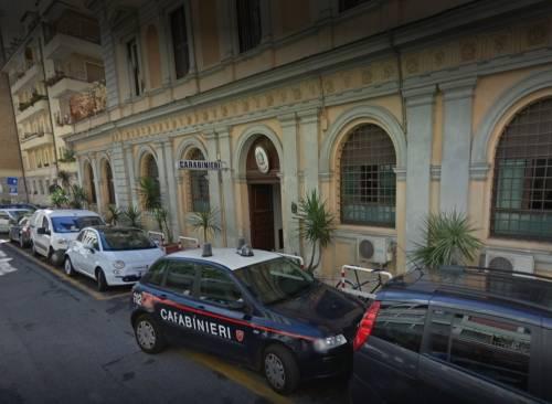 Roma, bulgaro attacca vigilante e militari, poi danneggia gazzella