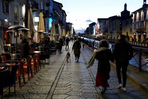 Milano |  stop a coprifuoco per i pub ma le discoteche restano chiuse