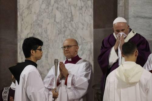 Raffreddore per il Papa  Salta incontro coi parroci