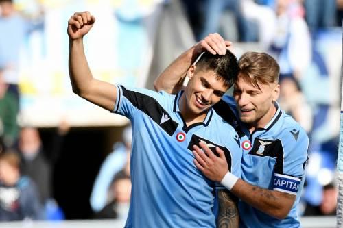La Lazio batte 2-0 il Bologna e vola al primo posto in classifica