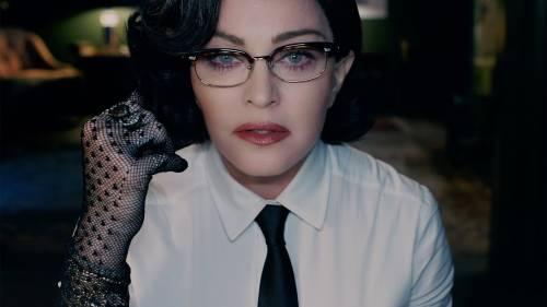 Lacrime di dolore per Madonna: la star cade durante il concerto