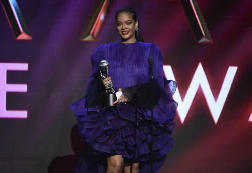 Rihanna mostra la sua biancheria hot