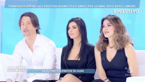 """Alba Parietti versione suocera, presenta la compagna del figlio: """"È una ragazza semplice"""""""
