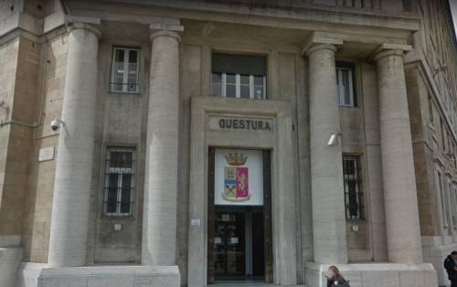 Genova, colto a spacciare aggredisce agenti: fermato marocchino