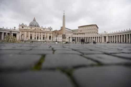 """Vaticano, ora il Covid-19 spaventa: """"Misure severe per tutto l'anno"""""""