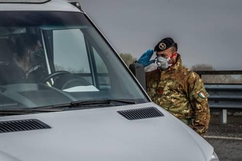 Emergenza coronavirus, scambio di beni al checkpoint di Codogno  4