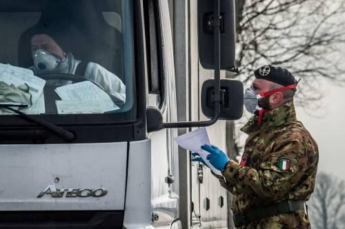 Emergenza coronavirus, scambio di beni al checkpoint di Codogno  8