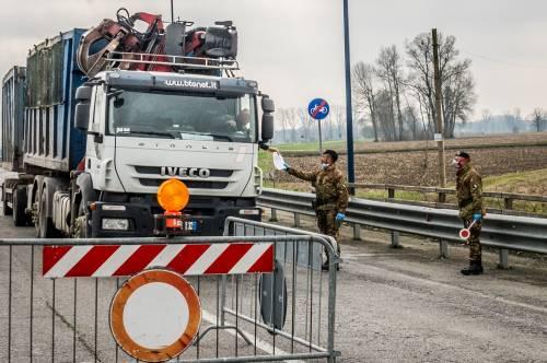 Emergenza coronavirus, scambio di beni al checkpoint di Codogno  9