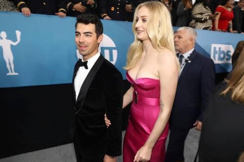 Sophie Turner e Joe Jonas comprano giocattoli, gravidanza in vista?