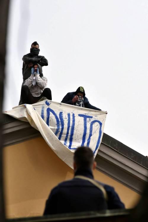 San Vittore, i detenuti in rivolta 5