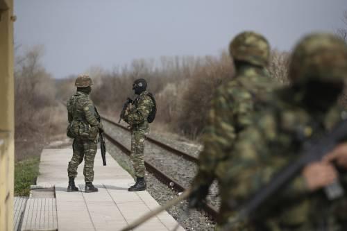 """L'Europa sulla crisi migratoria con la Turchia mantiene la linea: """"Difendere i confini"""""""