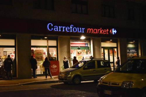 Coronavirus, l'assalto notturno ai supermercati  10