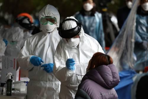 Virus, calano i contagi in Cina e Corea del Sud: ora l'attenzione è in Europa e America