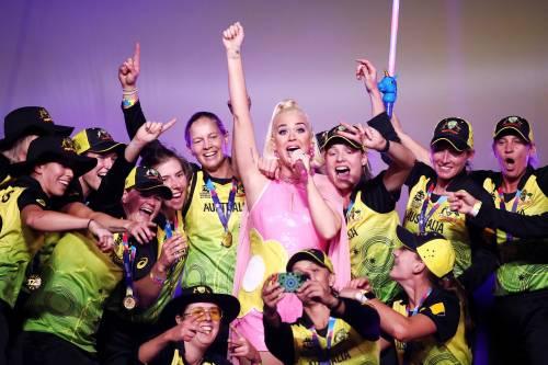 Katy Perry col pancione, foto 8