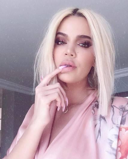 Khloe Kardashian super hot 6