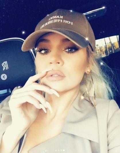 Khloe Kardashian super hot 7