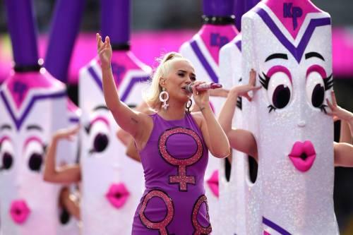 Katy Perry teme di prendere il coronavirus in gravidanza