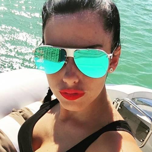 Lady Aubameyang si prende la scena su Instagram 11