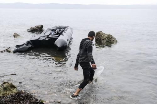 Il coronavirus ha improvvisamente bloccato gli sbarchi dei migranti in Italia