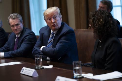 """Pure New York e Los Angeles chiuse per virus Trump: """"Finirà ad agosto, rischio recessione"""""""