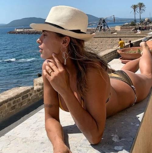 "Coronavirus, parla Elisabetta Canalis: ""Sempre con l'Italia"""