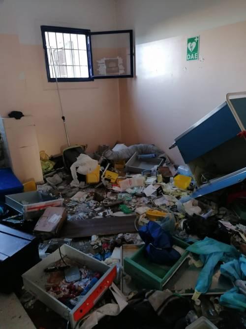 Modena e Bologna, le carceri devastate e le minacce sui muri 3