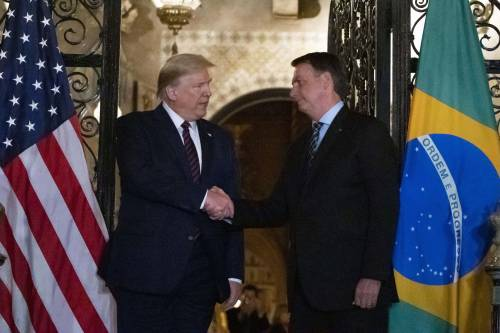 Coronavirus, funzionario brasiliano positivo. Ha visto Trump