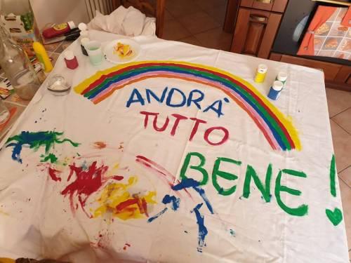 """""""Andrà tutto bene"""", il messaggio di speranza dei bimbi italiani 12"""