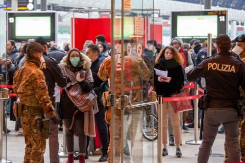 Milano, scatta un nuovo esodo. Treni pieni per Puglia e Sicilia
