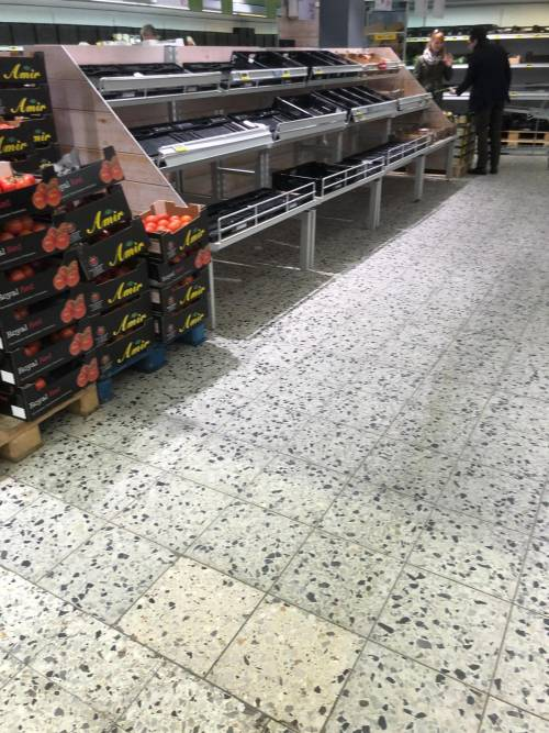Coronavirus, le immagini dei supermercati presi d'assalto a Berlino 2