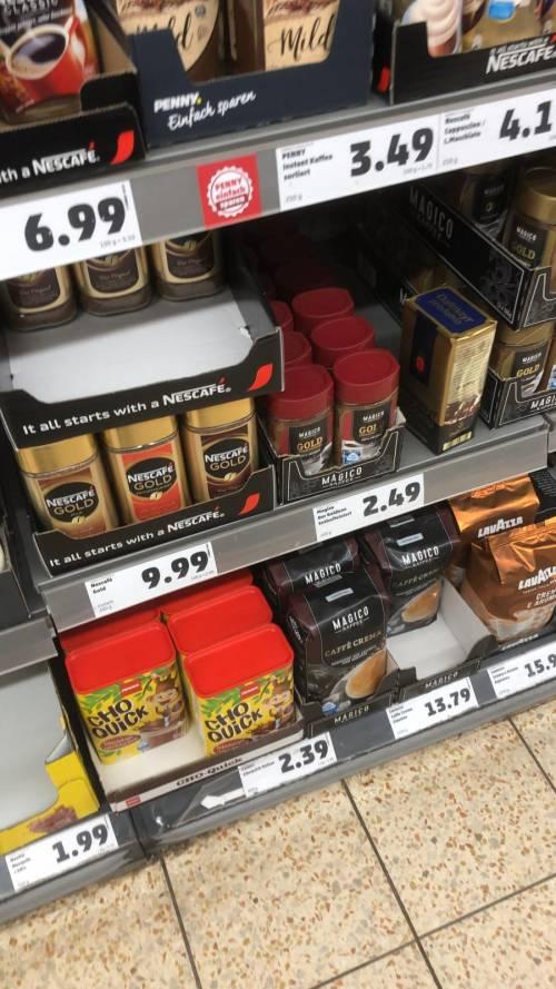 Coronavirus, le immagini dei supermercati presi d'assalto a Berlino 4