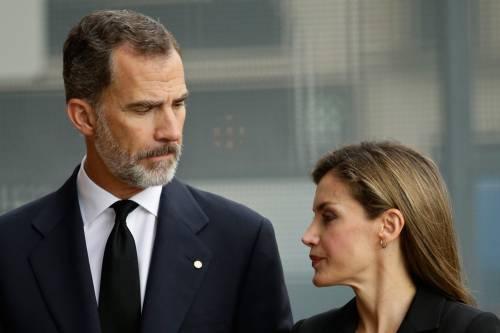 Scandalo in Spagna, le sorelle di re Felipe vaccinate ad Abu Dhabi
