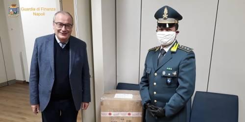 Le 10mila mascherine sequestrate donate all'ospedale Cotugno