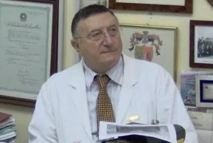 """Il virologo Tarro: """"Per sconfiggere il virus serve la cura, non il vaccino"""""""