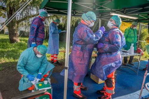 Coronavirus, oltre 30mila casi: 345 morti in un solo giorno
