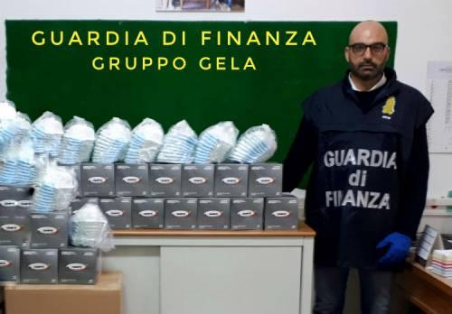 Mascherine scadute nel 2011 vendute a 15 euro al pezzo: denunciato farmacista