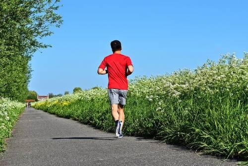 Divieto jogging all'aperto: il Tar respinge ricorso contro ordinanza De Luca